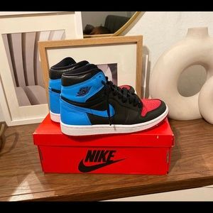"Size W 7 Air Jordan 1 High OG ""unc to chicago"""